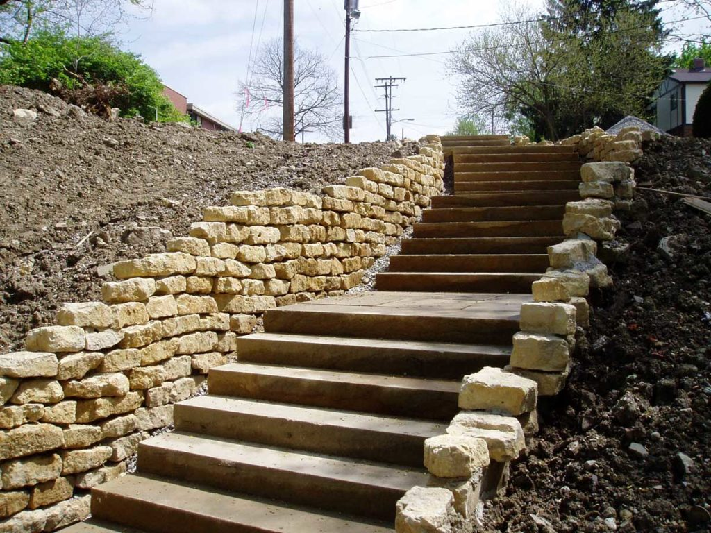 Shoreline Webb Retaining Wall and Sandstone Steps