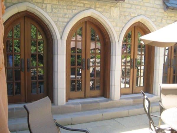 Building Stone Veneer Shoreline Buff and Indiana Limestone Accents