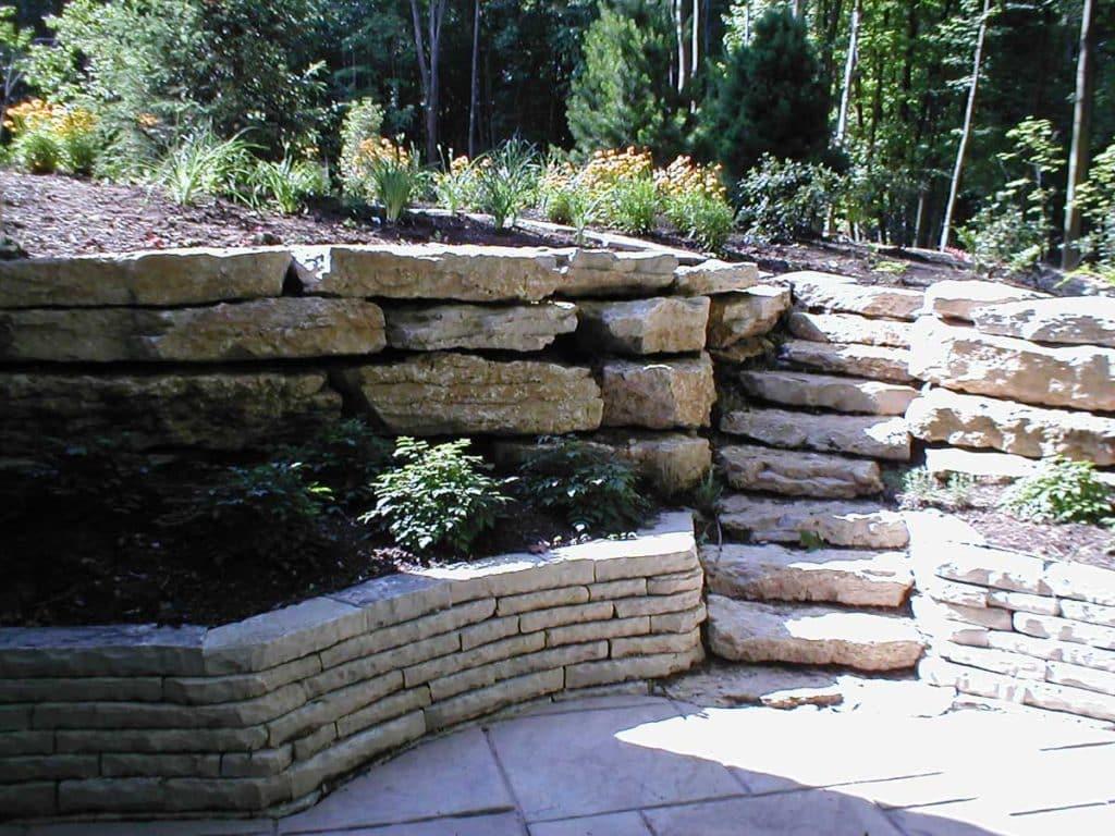 Ottawa Rustic Retaining Wall and Slab Steps
