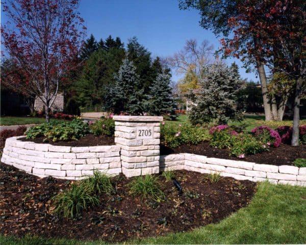 Ottawa Smooth Wallstone Garden Wall and Address Sign