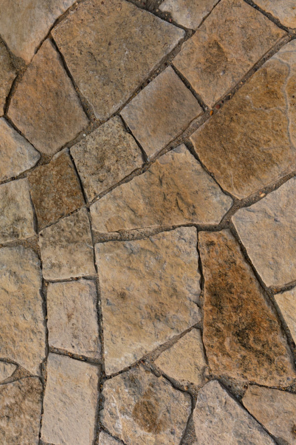 Shoreline® Thin Landscape Stone